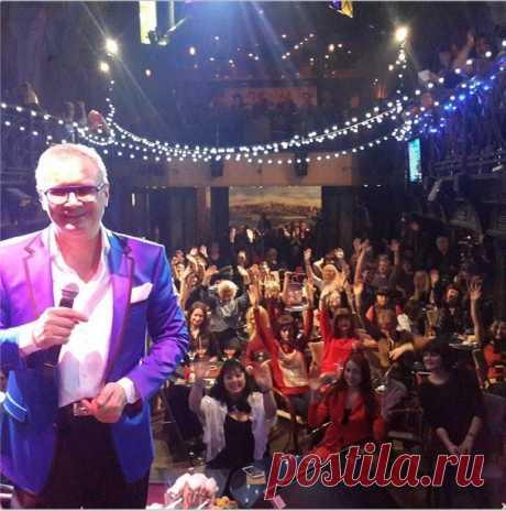 Завтра в воскресенье на Старом Арбате у Театра Вахтангова позажигаем!!!В 14 00)))И долго будем зажигать))))