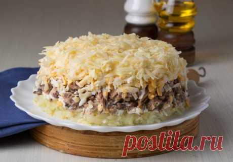Вкуснейшие рецепты салатов ссайрой консервированной Пошаговые рецепты приготовления салата с сайрой консервированной в домашних условиях. А так же секреты приготовления вкусного блюда