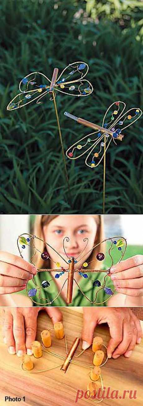 Бабочки и стрекозы - украшения для клумбы своими руками