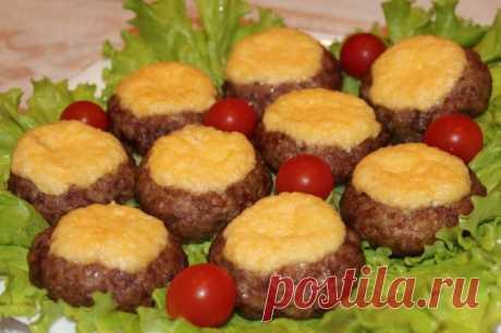 Мясные гнезда со сливочной серединкой — Sloosh – кулинарные рецепты