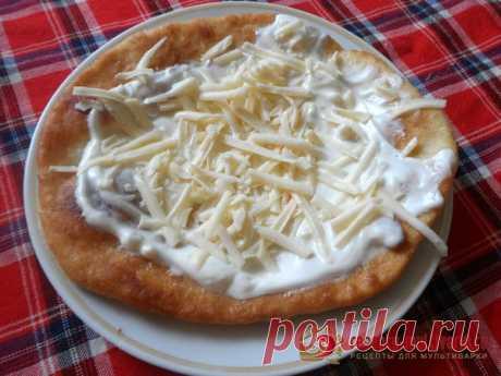 Венгерский лангош: рецепт приготовления в мультиварке