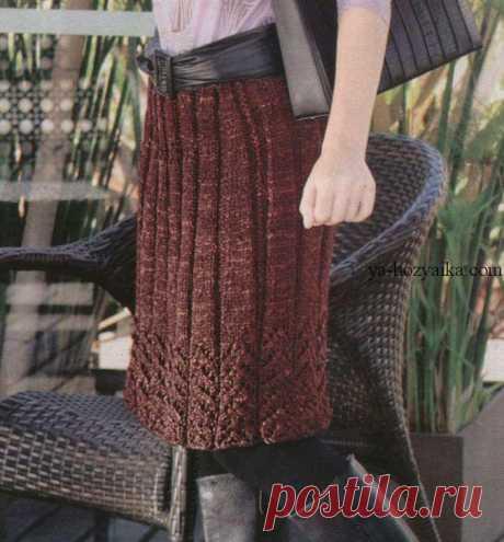 Вязаная юбка спицами опиание. Вязаная юбка до колен с описанием Вязаная юбка спицами в широкую резинку и с ажурным нижним краем, слегка расклешенного силуэта. вязаная юбка до колен с описанием