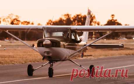 Фото Cessna 152 (N67384) - FlightAware