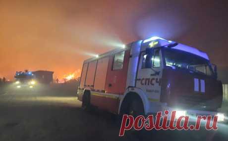 В Марий Эл ввели режим ЧС из-за лесных пожаров. Режим чрезвычайной ситуации будет действовать в том числе в районе, на территории которого уже два дня не могут локализовать лесной пожар. Есть угроза распространения огня на населенные пункты