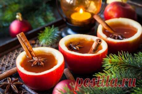 Рождественские напитки: ТОП-5 рецептов В каждой культуре есть свои традиционные рождественские блюда и напитки, без которых праздничный стол просто немыслим. Предлагаем тебе рецепты коктейлей к Рождеству.  Рождественский сидр в яблочных ча…