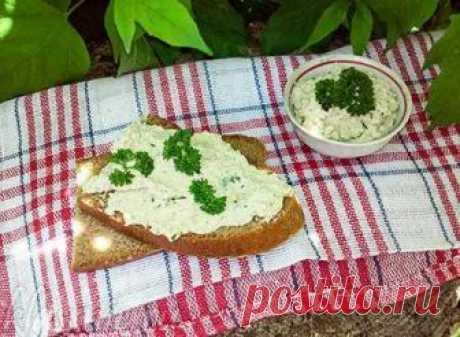 Намазка из тофу — соевый паштет с зеленью и специями - Классные вегетарианские рецепты Любите бутерброды? Тогда попробуйте приготовить вкусный паштет из тофу с добавлением специей и зелен