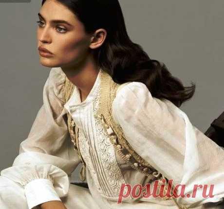 Летние блузки из льна -- это очень красиво и актуально Наконец настало время носить летние блузки из льна. Эта одежда излучает незаменимую ничем легкость и дарит непередаваемый комфорт при носке. Современные производители предлагают массу нарядных вариант…