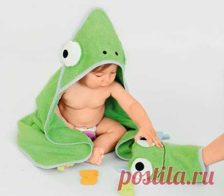 Банное полотенце и махровая рукавичка для малыша своими руками Большое и мягкое полотенце «махровый лягушонок» позаботится о том, чтобы вашему драгоценному чаду было сухо и тепло после купания. А махровая рукавичка подарит комфорт во время водных процедур. ВЫКРОЙ...