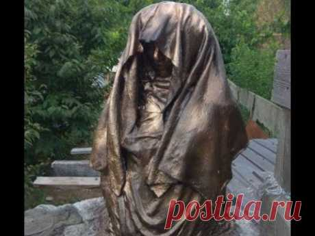 Статуя в клумбу из цемента и тряпок