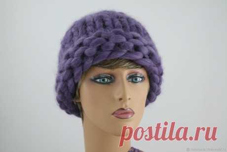 Вязаная шапки из ультра-модной толстой пряжи Хельсинки – купить в интернет-магазине на Ярмарке Мастеров с доставкой - ELQC7RU | Санкт-Петербург