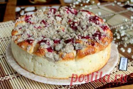 Простой творожный пирог с яблоками со штрейзелем