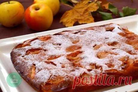 Яблочный пирог на кефире  Сколько бы рецептов пирогов с яблоками вы не знали, всегда есть возможности для кулинарных экспериментов. Этот яблочный пирог на кефире готовится очень просто, из продуктов, которые всегда есть под рукой. Выпечка получается не только вкусной, но и ароматной.   Ингредиенты:  Мука пшеничная — 2 стак.; Яйцо — 1 шт; Кефир — 1 стак.; Сахар — 1 стак.; Разрыхлитель — 1.5 ч.л.; Масло подсолнечное — 2/3 стак.; Яблоко — 1 шт; Корица молотая (по вкусу) ; Сах...