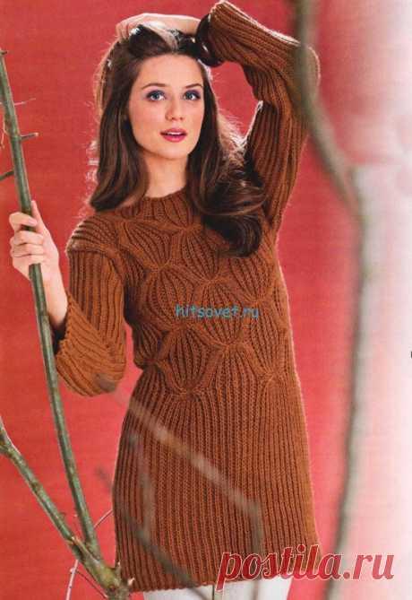 Вязаный пуловер из полупатентного узора Размер: 36/38. Для вязания пуловера спицами Вам потребуется: 850 г коричневой пряжи Merino Classic (50% мериносовой шерсти, 50% полиакрила, 80 м/50 г); спицы № 6. Полупатентный узор: нечётное число петель. Каждый ряд начинать и заканчивать 1 кром.