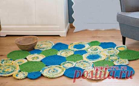 Яркий коврик из кругов разных расцветок и размеров. Крючком. / igmihrru.ru
