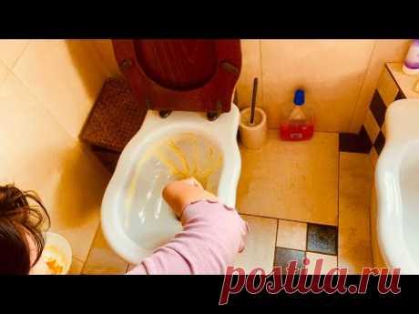 El modo muy simple de limpiar la taza
