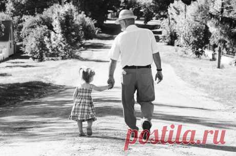«Деда, погоди...»»: последнее и самое трогательное стихотворение Леонида Филатова     Дай руку, деда... Бывают стихи, которые западают в душу после того, как их услышал всего один раз. Именно таким стихотворением являются строки, написанные Леонидом Филатовым незадолго до смерти и …