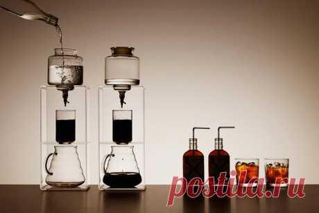 Холодный способ заваривания кофе: рецепт приготовления в домашних условиях В последнее время огромную популярность обретает холодный способ заваривания кофе. Это сравнительно новая технология, обладающая рядом преимуществ. Овладеть навыками необычного приготовления кофейного напитка просто.
