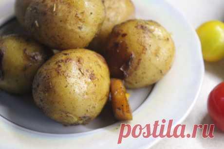 Золотистый запеченный картофель по-деревенски с хрустящей корочкой - пошаговый кулинарный рецепт приготовления с фото, шаг за шагом.