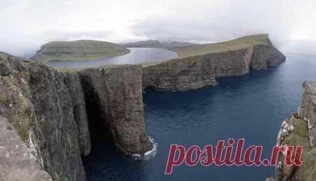 Небольшое озеро Сёрвогсватн или Лайтисватн Сёрвогсватн или Лайтисватн (фар. Sørvágsvatn / Leitisvatn) — наибольшее озеро Фарерских островов, расположенное на острове Воар.