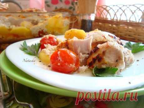 Куриная грудка, замаринованная в кефире и запечённая с овощами