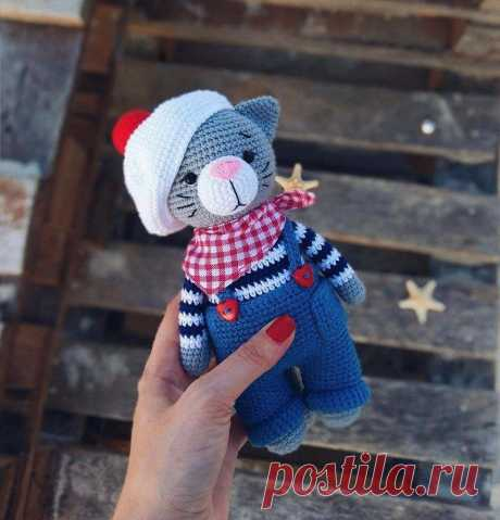 PDF Мастер-класс крючком котик Джереми амигуруми #амигуруми #схемыамигуруми  #вязаныйкот #вязаныеигрушки #amigurumipattern #crochetcat #amigurumicat