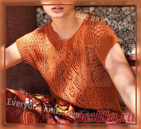 Топ разнообразными ажурными узорами спицами с планками вокруг пройм, имитирующими рукава. | Все вяжут.сом/Everyone knits.com | Яндекс Дзен