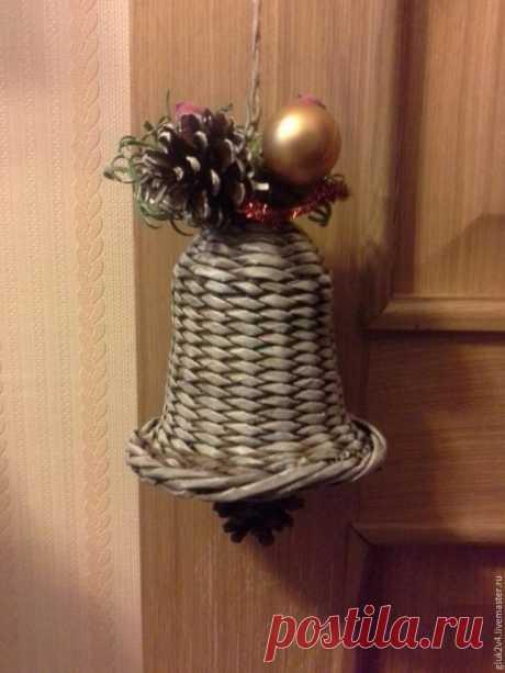 Мастер-класс: плетём колокольчик из газетных трубочек