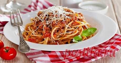 Спагетти болоньезе — классический итальянский рецепт с фаршем, в мультиварке, с травами, колбасой и грибами - Кейс советов