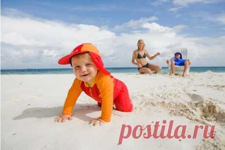 Только не они! Почему мамы с детьми бесят отдыхающих на пляже   PARENTS