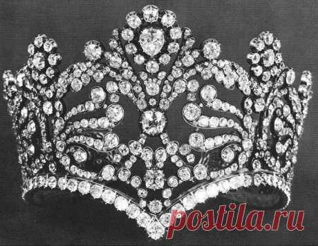 Как выглядит знаменитая коллекция драгоценностей Жозефины, которая началась со скромного колечка «amour sincere»