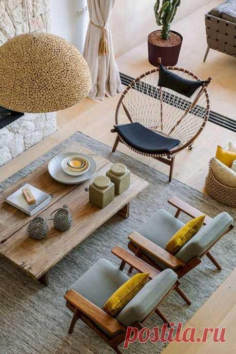 Подручные средства в интерьере гостиной