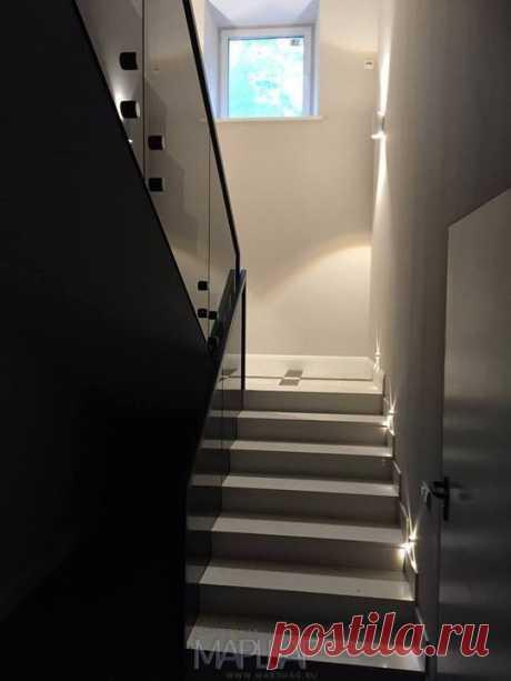 Изготовление лестниц, ограждений, перил Маршаг – Черные стеклянные ограждения из закаленного стекла