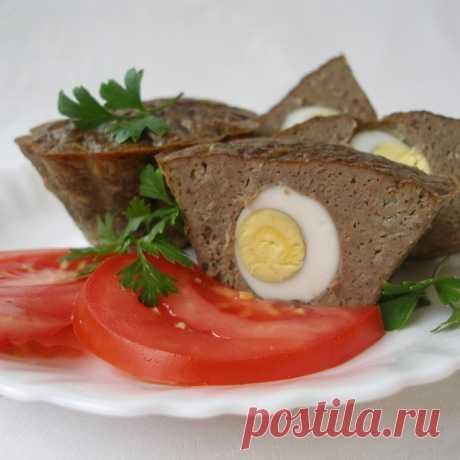 Маффины из куриной печени с перепелиными яйцами