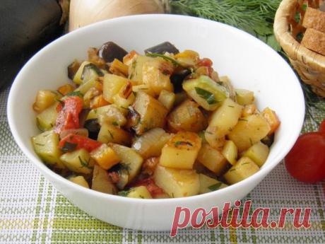 Овощное рагу: кабачки баклажаны картофель