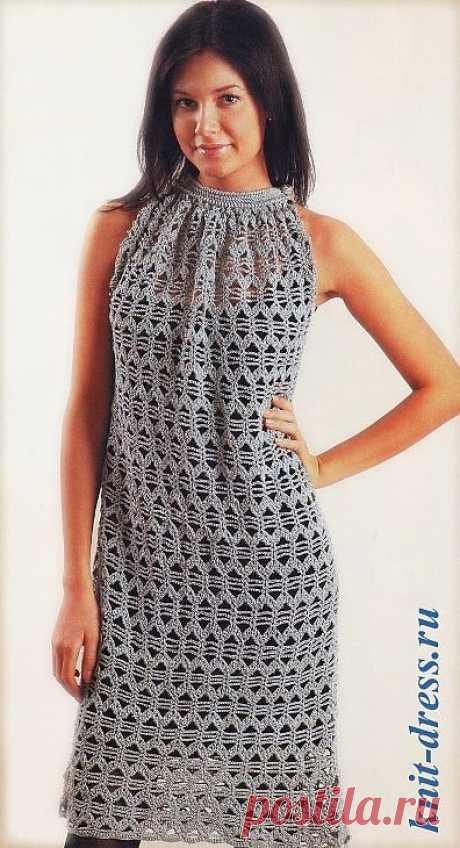 Платье крючком без рукавов