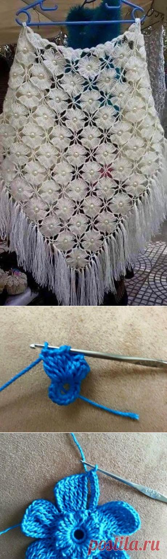Красивая шаль из цветочных мотивов