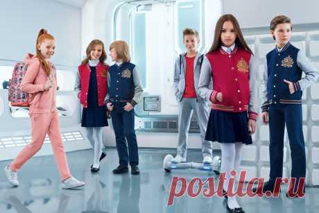Ультрамодная коллекция школьной одежды вдохновит мальчиков и девочек на решительные подвиги и поможет почувствовать себя настоящими супергероями.