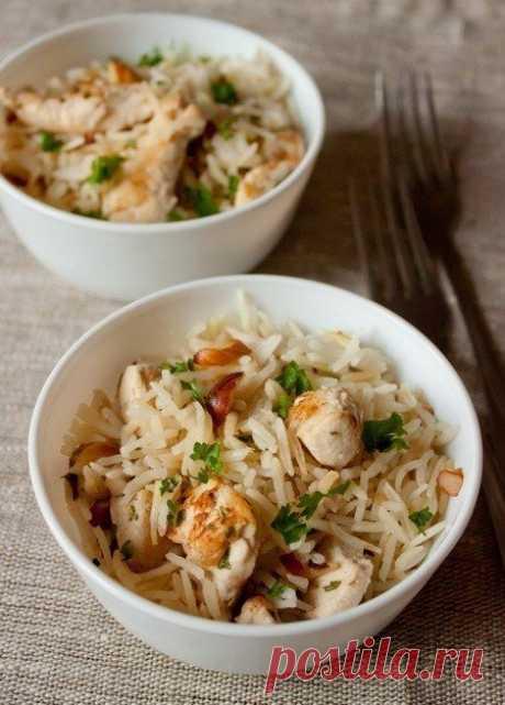 Как приготовить рисовый пилав с курицей и миндалем - рецепт, ингредиенты и фотографии