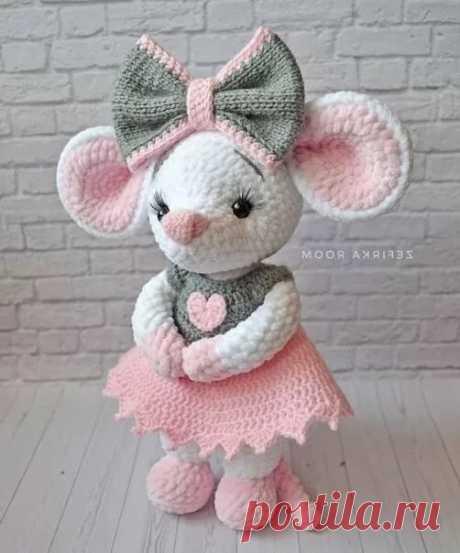 Милая вязаная мышка Необычный дизайн Постила в Яндекс.Коллекциях
