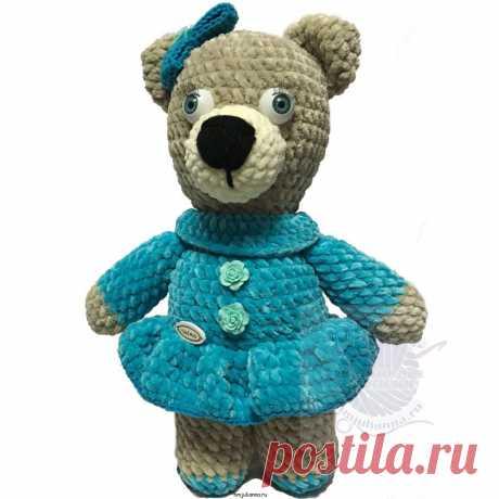 Медвежонок в платье синем плюшевая игрушка, вязаная, 30 смПлюшевый мир Мастерская игрушек Анны Ганоцкой