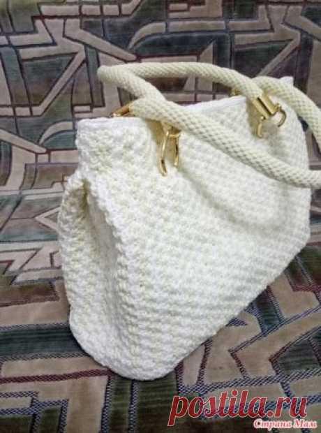 """. Летняя  сумка  крючком  из пряжи Ярнарт """"Макраме"""" Для работы потребовалось: 1) пластиковая канва для вышивки (сетка с ячейками 3мм)+ подложка под ламинат толщиной 5мм; 2) пряжа ЯРНАРТ МАКРАМЕ 90гр-130м 2-х видов;"""