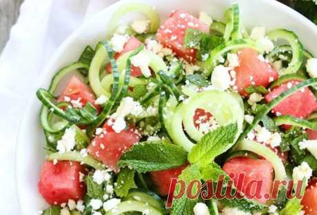 10 оригинальных рецептов салатов для жаркого лета