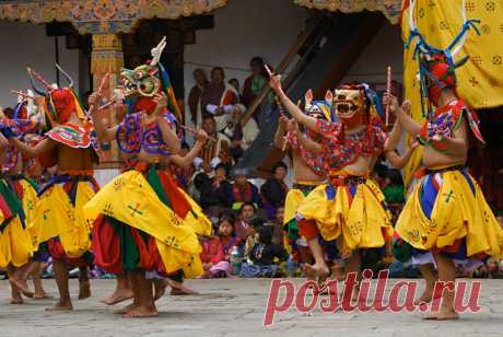 Paro Tsechu is the most vivid and exciting event of the dzonghag, the Paro district. Many residents of the surrounding villages come to the monastery to see the dances of monks and laity in masks. A Tsechu is a Buddhist festival in honour of Guru Rimpoche, the saint who brought Buddhism to Bhutan. Tsechus (festivals) are one of the best ways to get acquainted with the ancient living culture of Bhutan.