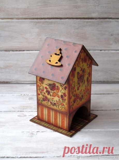 Чайный домик Краски осени – купить на Ярмарке Мастеров – N4L80RU | Чайные домики, Москва Чайный домик Краски осени. в интернет-магазине на Ярмарке Мастеров. Чайный домик Краски осени. Необычный, красивый чайный домик украсит любую кухню. Домик выполнен в технике декупаж. В домике вы можете разместить чайные пакетики,Вашего любимого чая, для этого надо только снять его крышу .