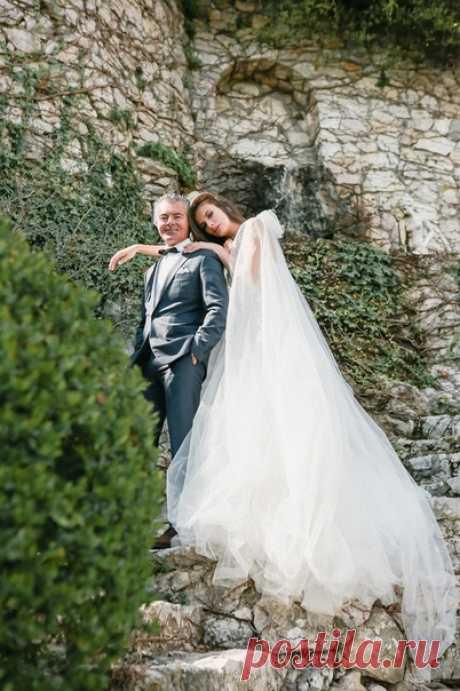 Свадьба Ксении и Яна прошла в шато Château de la Chèvre d'Or 😍