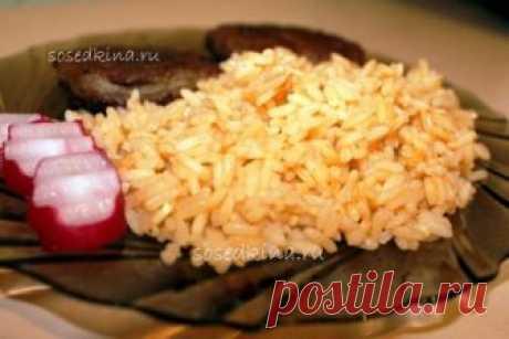 Рис с луком и чесноком.  СОСТАВ: Паста томатная — 1 ст.л. Лук репчатый — 1 шт Бульон — 600 мл Чеснок — 3 зуб. Рис — 200 гр Соль, перец.