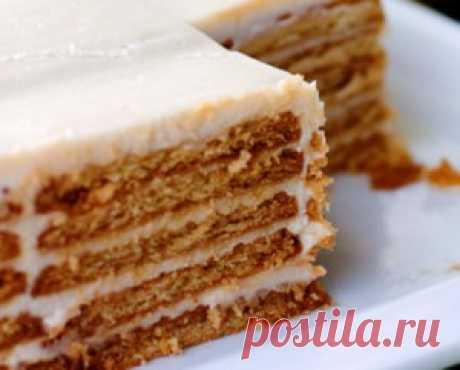 Торт из печенья с творогом и сметаной |