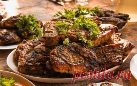 Ученые назвали самое опасное мясо | РБК Украина