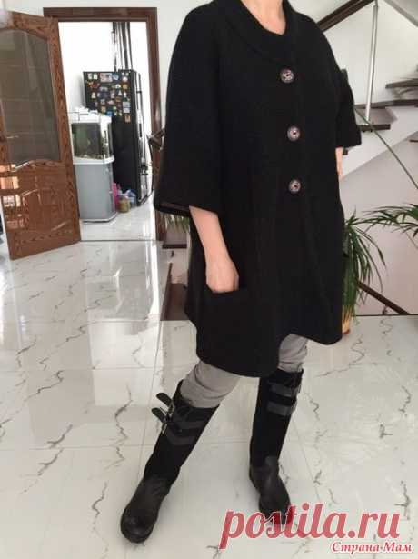"""Пальто """"Черный бриллиант"""" Пальто связано спицами Ангора Aleze- спэшл в две нити Регланом сверху, без швов Расклешено к низу Воротник - стойка двойная Прорезные карманы и полочки обработаны кетлевкой"""
