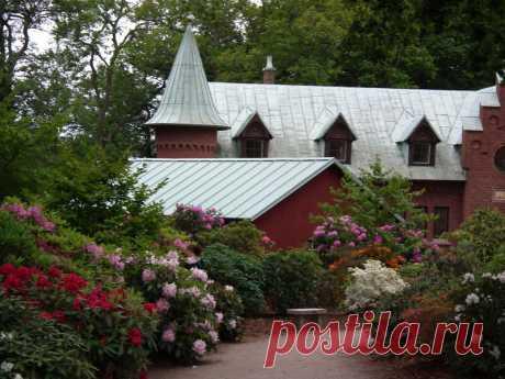 Сад замка Sofiero. Швеция.